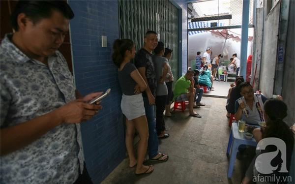 3 quán ăn Sài Gòn có tốc độ bán hàng nhanh như điện xẹt, nếu không canh giờ là hẹn quay lại lần sau - Ảnh 1.