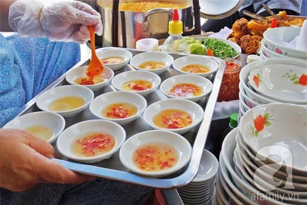 3 quán ăn Sài Gòn có tốc độ bán hàng nhanh như điện xẹt, nếu không canh giờ là hẹn quay lại lần sau - Ảnh 11.