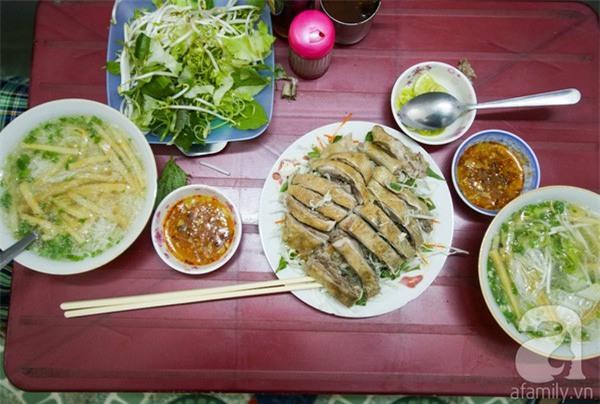 3 quán ăn Sài Gòn có tốc độ bán hàng nhanh như điện xẹt, nếu không canh giờ là hẹn quay lại lần sau - Ảnh 3.