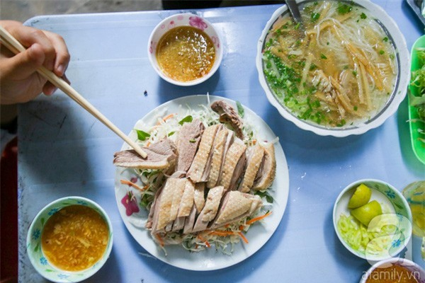 3 quán ăn Sài Gòn có tốc độ bán hàng nhanh như điện xẹt, nếu không canh giờ là hẹn quay lại lần sau - Ảnh 4.