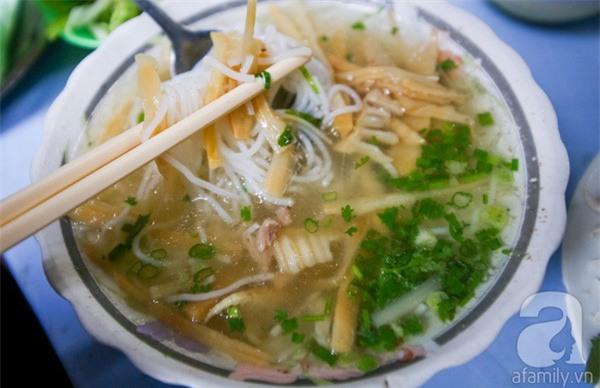 3 quán ăn Sài Gòn có tốc độ bán hàng nhanh như điện xẹt, nếu không canh giờ là hẹn quay lại lần sau - Ảnh 6.