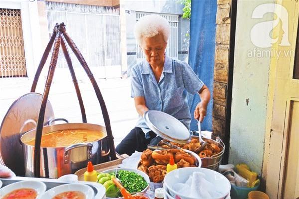 3 quán ăn Sài Gòn có tốc độ bán hàng nhanh như điện xẹt, nếu không canh giờ là hẹn quay lại lần sau - Ảnh 7.