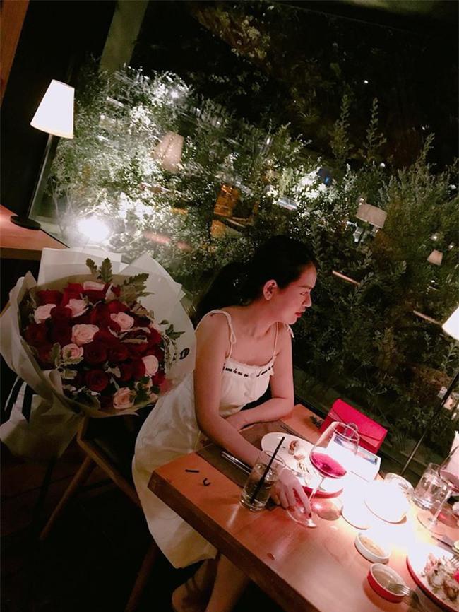 Kỷ niệm 1 tháng ngày cưới, chồng dành tặng vợ món quà bất ngờ khiến cô ngồi thụp xuống đất vì xúc động - Ảnh 4.
