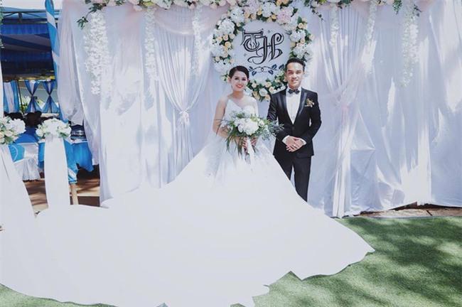 Kỷ niệm 1 tháng ngày cưới, chồng dành tặng vợ món quà bất ngờ khiến cô ngồi thụp xuống đất vì xúc động - Ảnh 5.