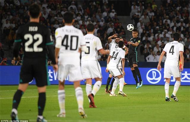 Al Jazira bất ngờ vượt lên dẫn trước ở phút 41