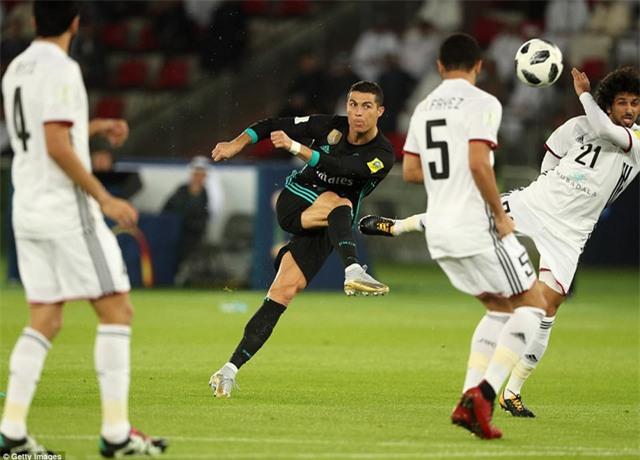 C.Ronaldo gỡ hòa 1-1 và anh đã có bàn thứ 6 tại các kỳ FIFA Club World Cup