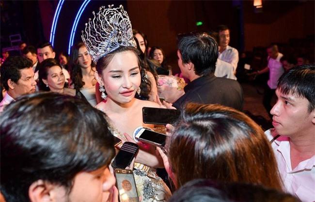 Sau gần 2 tháng đăng quang, giờ môi của Hoa hậu Đại Dương Ngân Anh lại gọn như chưa từng... tều - Ảnh 3.