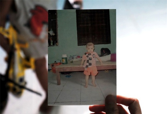 """Mẹ bỏ rơi khi mới 10 ngày tuổi, bé trai bệnh ung thư máu được """"người dưng"""" cưu mang suốt 2 năm trời - Ảnh 8."""