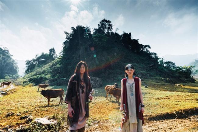 Cặp đôi Hà thành hóa trang thành dân du mục Mông Cổ, ôm rồng Nam Mỹ chụp ảnh cưới - Ảnh 12.