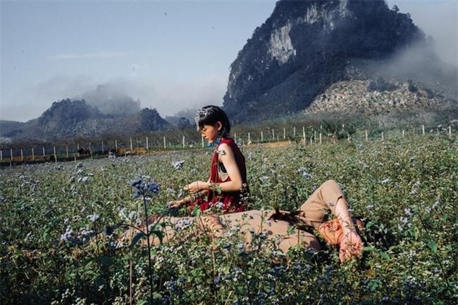 Cặp đôi Hà thành hóa trang thành dân du mục Mông Cổ, ôm rồng Nam Mỹ chụp ảnh cưới - Ảnh 17.