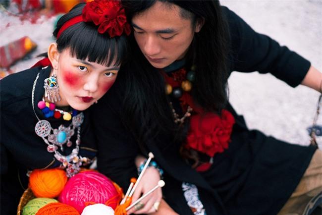 Cặp đôi Hà thành hóa trang thành dân du mục Mông Cổ, ôm rồng Nam Mỹ chụp ảnh cưới - Ảnh 20.