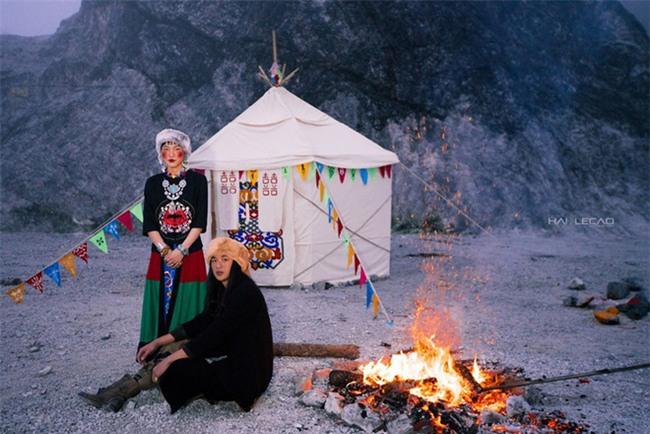 Cặp đôi Hà thành hóa trang thành dân du mục Mông Cổ, ôm rồng Nam Mỹ chụp ảnh cưới - Ảnh 24.