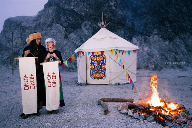 Cặp đôi Hà thành hóa trang thành dân du mục Mông Cổ, ôm rồng Nam Mỹ chụp ảnh cưới - Ảnh 25.
