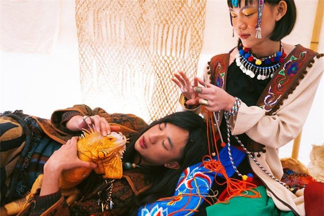 Cặp đôi Hà thành hóa trang thành dân du mục Mông Cổ, ôm rồng Nam Mỹ chụp ảnh cưới - Ảnh 7.