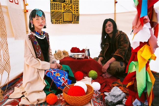 Cặp đôi Hà thành hóa trang thành dân du mục Mông Cổ, ôm rồng Nam Mỹ chụp ảnh cưới - Ảnh 8.