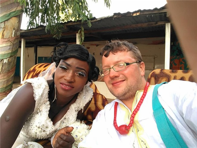 Gã ăn mày xuyên lục địa quyết định từ giã sự nghiệp, kết hôn với một cô gái châu Phi - Ảnh 3.