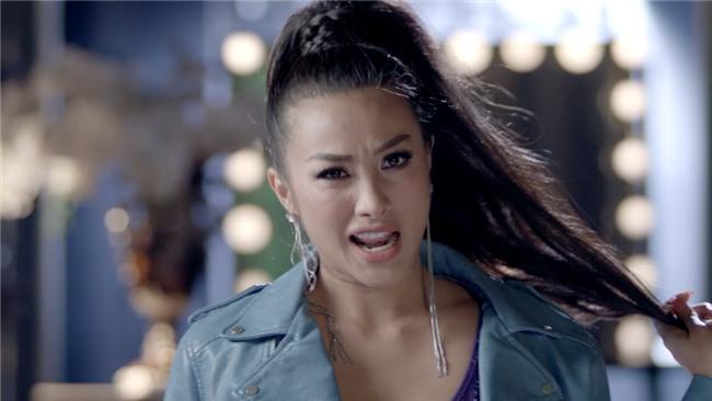 Glee: Cindy V lợi dụng Rocker Nguyễn và Hữu Vi quay clip nóng-6