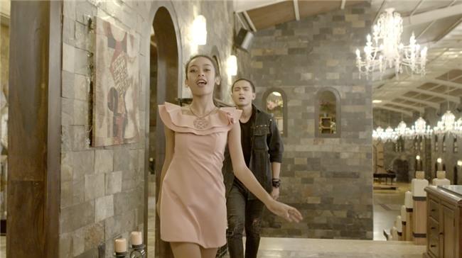 Glee: Cindy V lợi dụng Rocker Nguyễn và Hữu Vi quay clip nóng-8