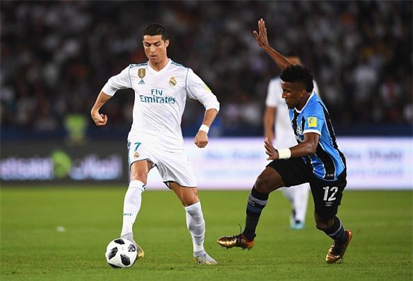 Ronaldo toa sang, Real hoan tat cu an 5 trong nam 2017 hinh anh 1