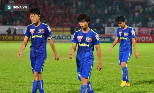 Bầu Đức úp mở việc cho Xuân Trường, Công Phượng sang Thái Lan chơi bóng - Ảnh 1.