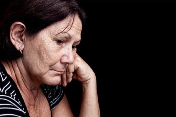 Mẹ chồng mất chưa tròn năm mà anh chồng chị dâu đã toan tính đủ đường - Ảnh 1.