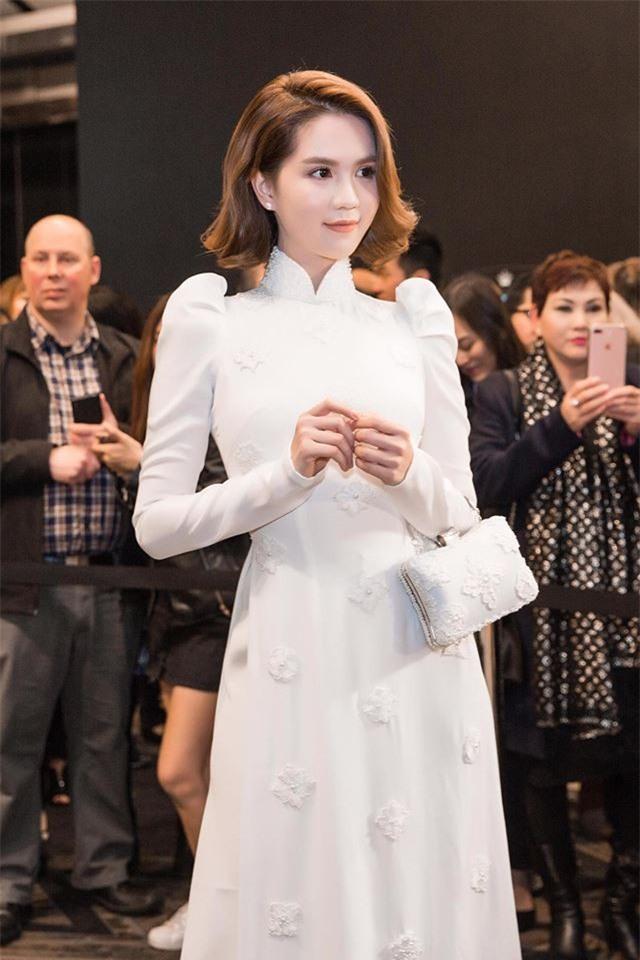 Năm 2017, Ngọc Trinh tuột dốc về cả nhan sắc lẫn phong cách thời trang - Ảnh 3.