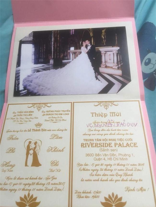 Hé lộ thiệp cưới mời 500 khách VIP của Lâm Khánh Chi và phi công kém 8 tuổi-2