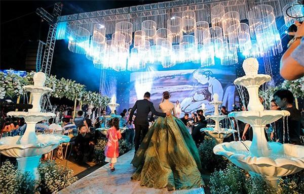10 đám cưới Việt không phải của sao showbiz nhưng cực kỳ xa hoa khiến MXH nô nức chỉ dám nhìn không dám ước trong năm 2017 - Ảnh 12.