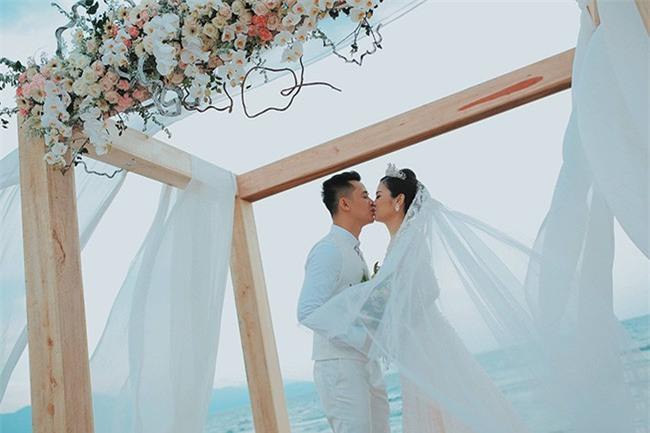 10 đám cưới Việt không phải của sao showbiz nhưng cực kỳ xa hoa khiến MXH nô nức chỉ dám nhìn không dám ước trong năm 2017 - Ảnh 25.