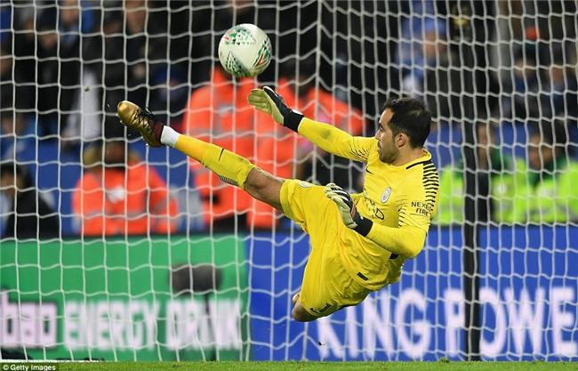 Man City vào bán kết Cúp Liên đoàn sau loạt luân lưu nghẹt thở - Ảnh 5.