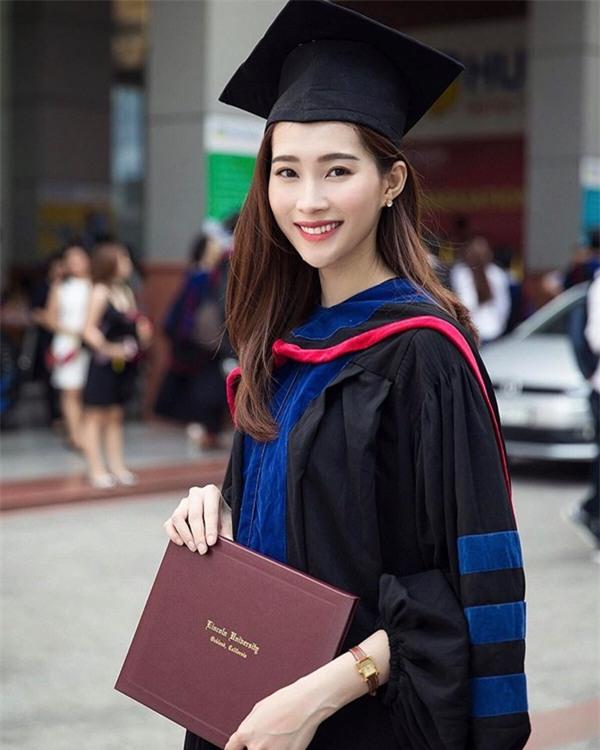 Những nàng dâu danh giá nhất showbiz Việt khiến chị em nào cũng mơ ước được sa chân-8