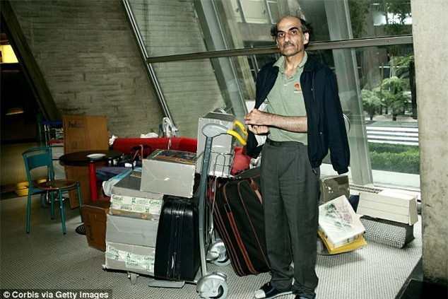 Cãi nhau với vợ, chồng bỏ nhà đi và đóng đô ở sân bay suốt 10 năm không thèm về - Ảnh 6.