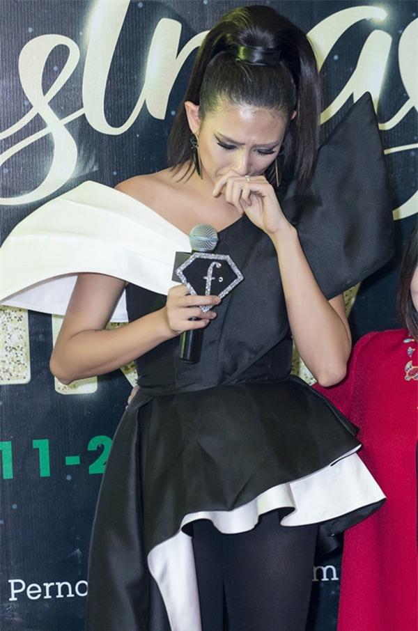 Đẹp như hoa hậu, siêu mẫu showbiz Việt mà cũng từng trầm cảm đến mức muốn quyên sinh!-11