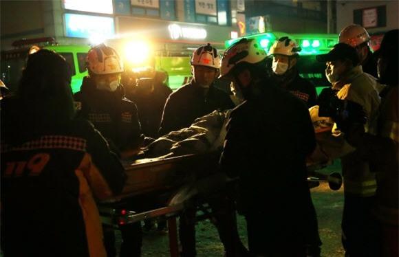 Cập nhật những hình ảnh kinh hoàng từ vụ cháy tại Hàn Quốc: 29 người chết, hàng chục người bị thương - Ảnh 8.