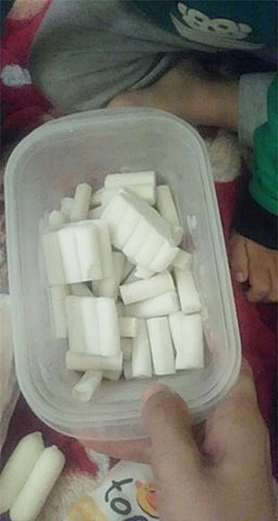 Háo hức mua online lẩu tokbokki Hàn Quốc, mẹ trẻ chưng hửng nhận về hộp đồ lèo tèo kèm 3 muỗng nước sốt - Ảnh 7.
