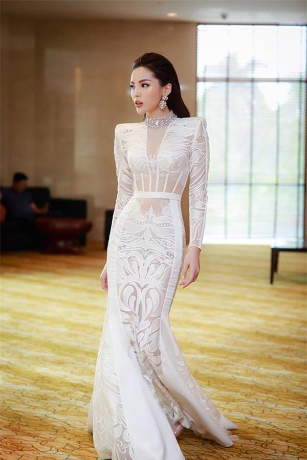 Top 5 nữ hoàng thảm đỏ showbiz Việt năm 2017-8