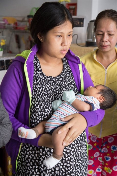 4 bà mẹ có công cuộc lột xác ngoạn mục sau khi sinh trong năm 2017 - Ảnh 15.