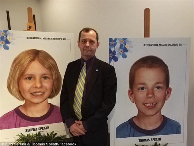 3 năm sau ngày phát hiện 2 con mất tích, ông bố đau khổ bất ngờ nhận được quà Giáng sinh sớm từ cảnh sát - Ảnh 3.