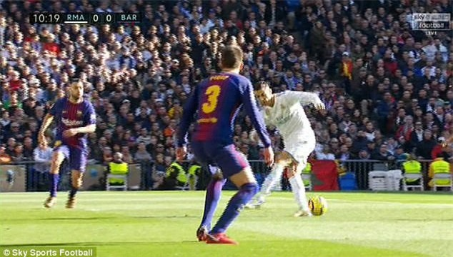 Khuôn mặt đáng thương của Ronaldo bị antifan chế giễu - Ảnh 7.