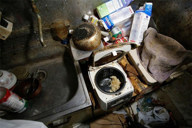 Vác bầu về ra mắt nhà chồng cách 300km, cô nàng choáng vì được đãi cơm thừa, nhà bẩn như chuồng lợn - Ảnh 2.