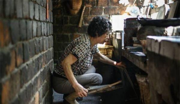 Vác bầu về ra mắt nhà chồng cách 300km, cô nàng choáng vì được đãi cơm thừa, nhà bẩn như chuồng lợn - Ảnh 3.