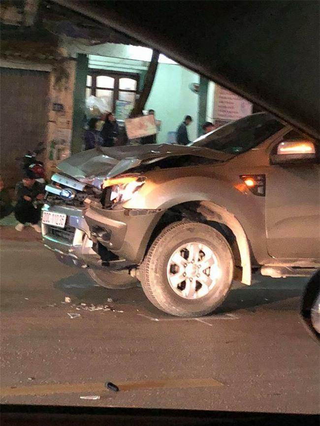 Nhân chứng vụ ô tô đâm chết 4 người qua đường: Sau tiếng động cực mạnh, thi thể phụ nữ và trẻ em văng xa gần 40 mét, nằm la liệt giữa đường - Ảnh 1.