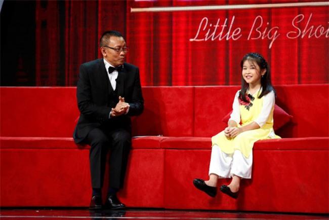 Tự học qua mạng, cô bé 9 tuổi khiến cả nước ngưỡng mộ vì khả năng bắn tiếng Anh vanh vách với du khách nước ngoài - Ảnh 1.