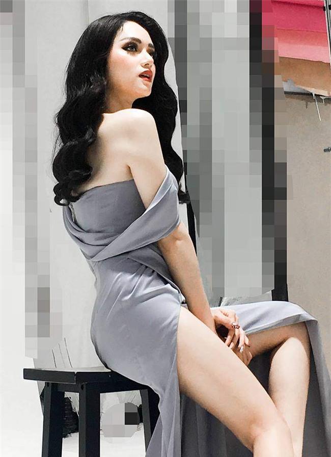 huong giang idol tao dang nhanh nhu tia chop, khong kem cac nguoi mau noi danh - 3