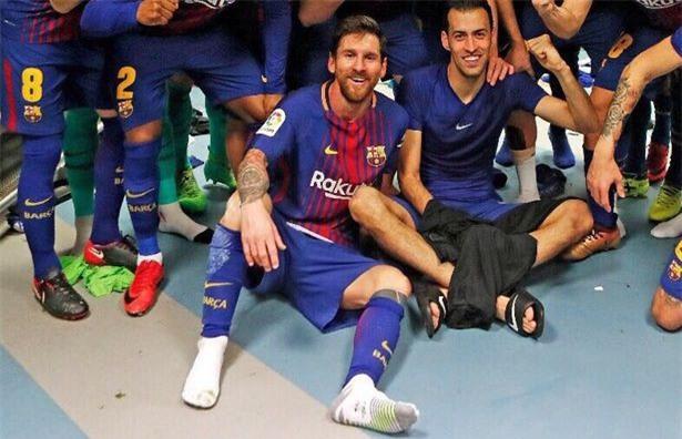 5 phát hiện từ bức ảnh ăn mừng của cầu thủ Barca ở El Clasico - Ảnh 4.