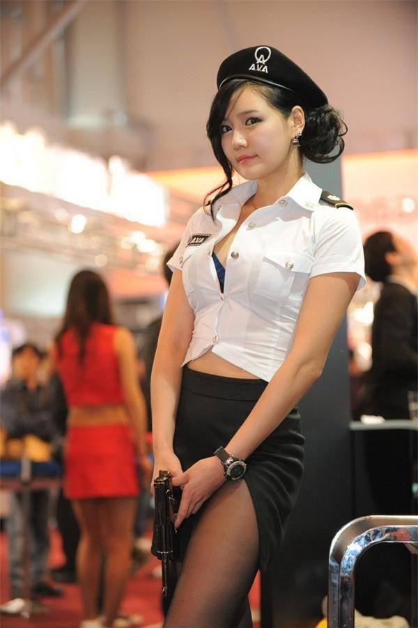 Đem thiếu nữ mát mẻ ra làm quà gắp thú bông, nhà thầu Đài Loan bị chỉ trích dữ dội - Ảnh 5.