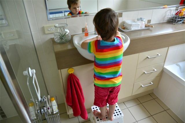 Phải dạy con kỹ năng này càng sớm càng tốt để tránh nguy cơ con bị xâm hại, lạm dụng - Ảnh 1.