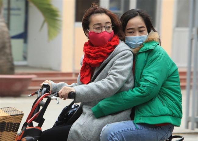 Chiều tối nay không khí lạnh tấn công miền Bắc, nhiệt độ thấp nhất ở Hà Nội phổ biến 13 - 15 độ C - Ảnh 1.