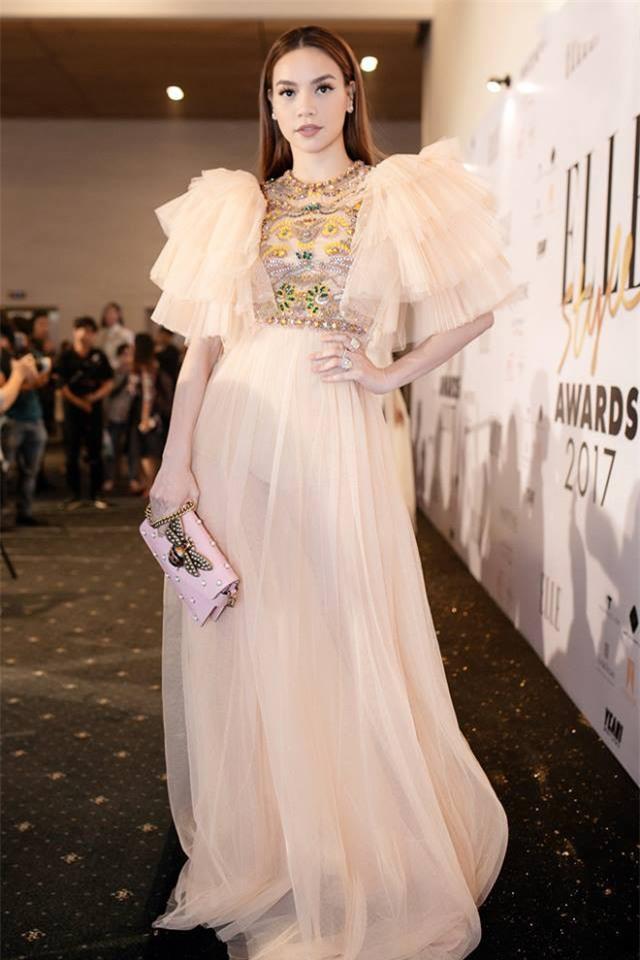 Năm 2017, đây là những người đẹp xứng danh nữ hoàng thảm đỏ showbiz Việt - Ảnh 28.