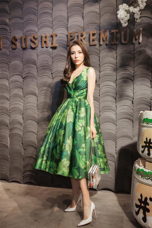 Năm 2017, đây là những người đẹp xứng danh nữ hoàng thảm đỏ showbiz Việt - Ảnh 3.